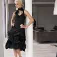 Kort zwart avondjurkje met wijde rok