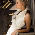 Prachtige witte bruidsjurk met kraag